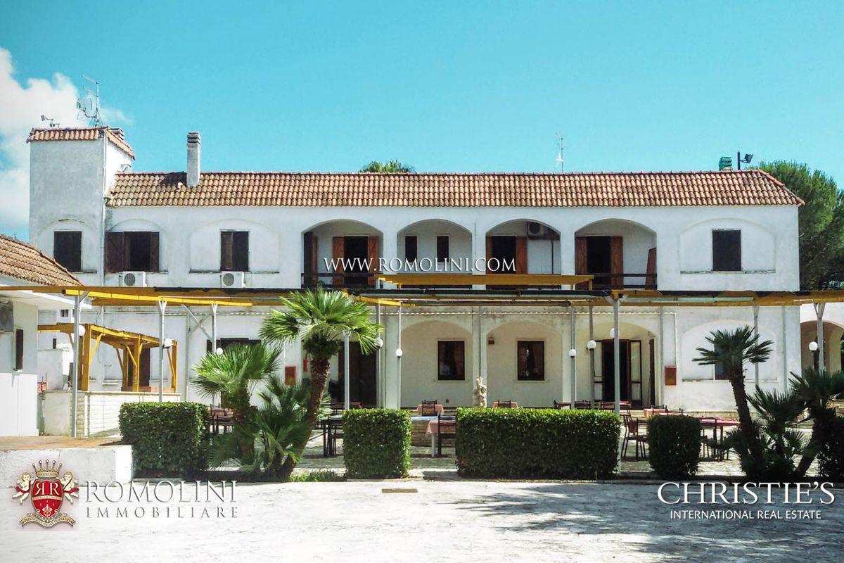 Apulia 3 star hotel for sale in apulia in salento a for Hotel luxury for sale