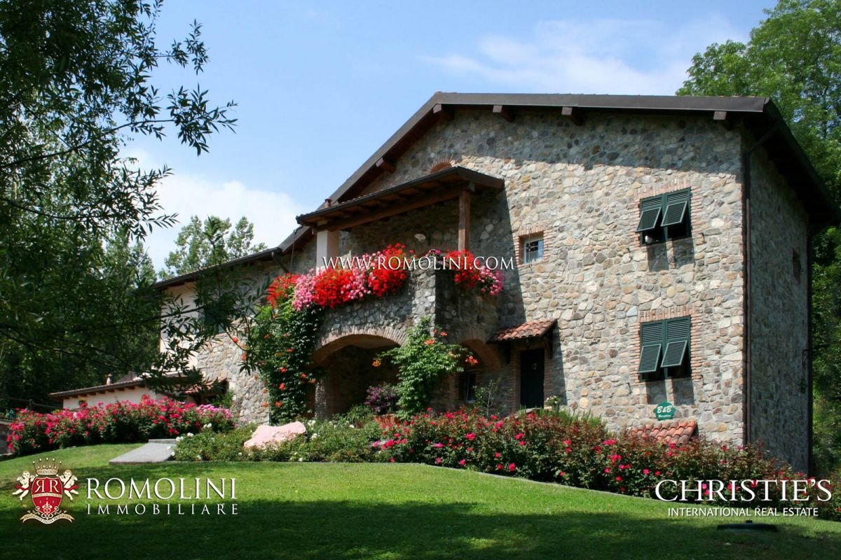 Residência para Venda às Tuscany - FARMHOUSE WITH POOL FOR SALE IN LUNIGIANA, TUSCANY Mulazzo, Itália