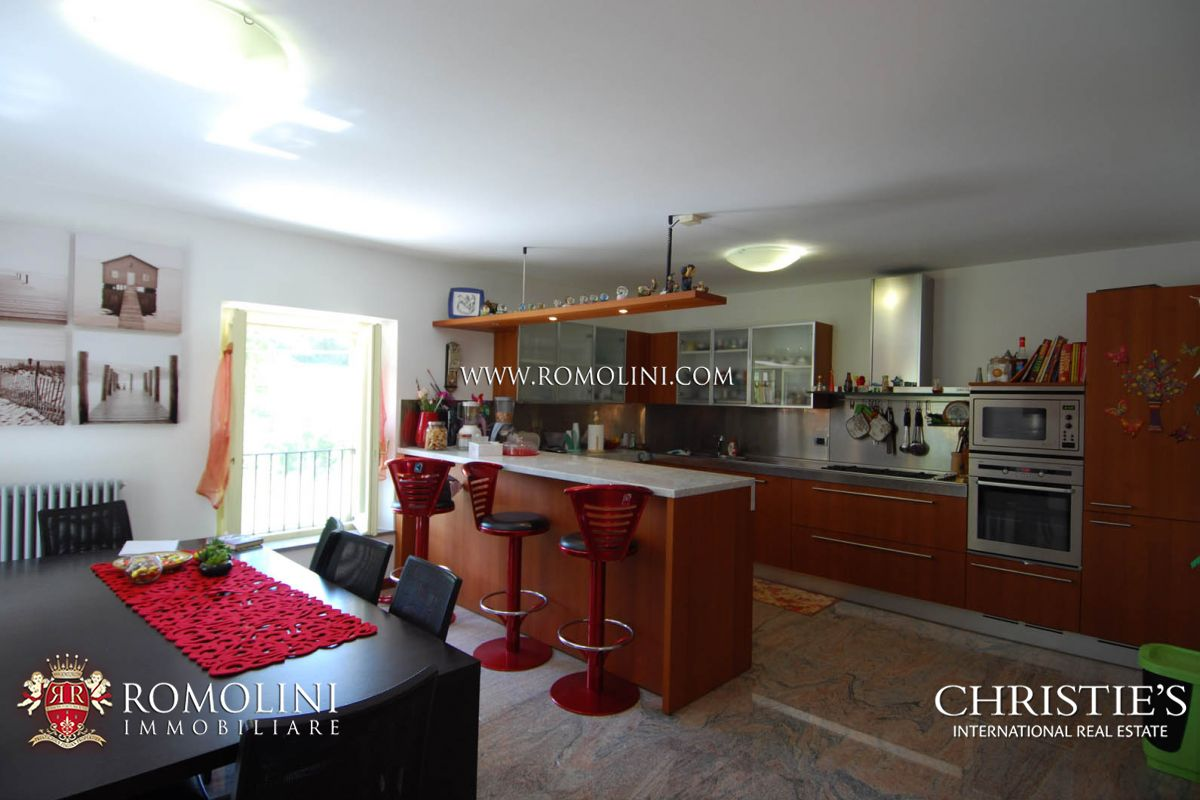 Additional photo for property listing at Umbria - VILLA WITH POOL FOR SALE IN UMBERTIDE, IN UMBRIA Umbertide, Italia