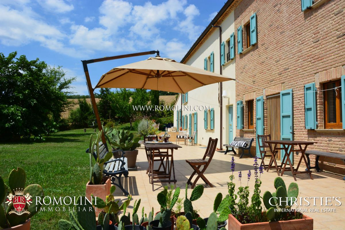 Additional photo for property listing at Marche - FARMHOUSE FOR SALE IN LE MARCHE San Costanzo, Italy