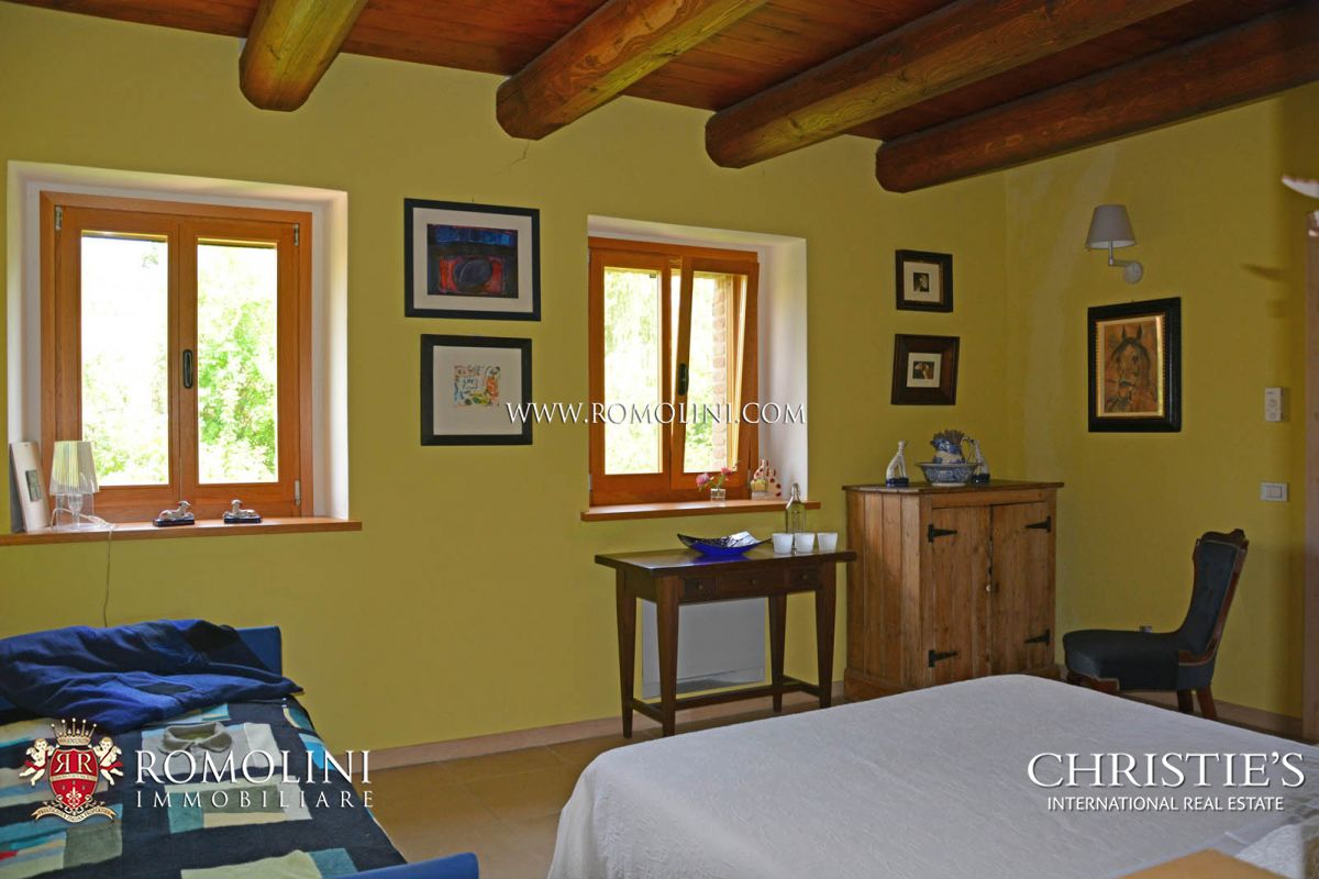 Additional photo for property listing at Marche - FARMHOUSE FOR SALE IN LE MARCHE San Costanzo, 意大利
