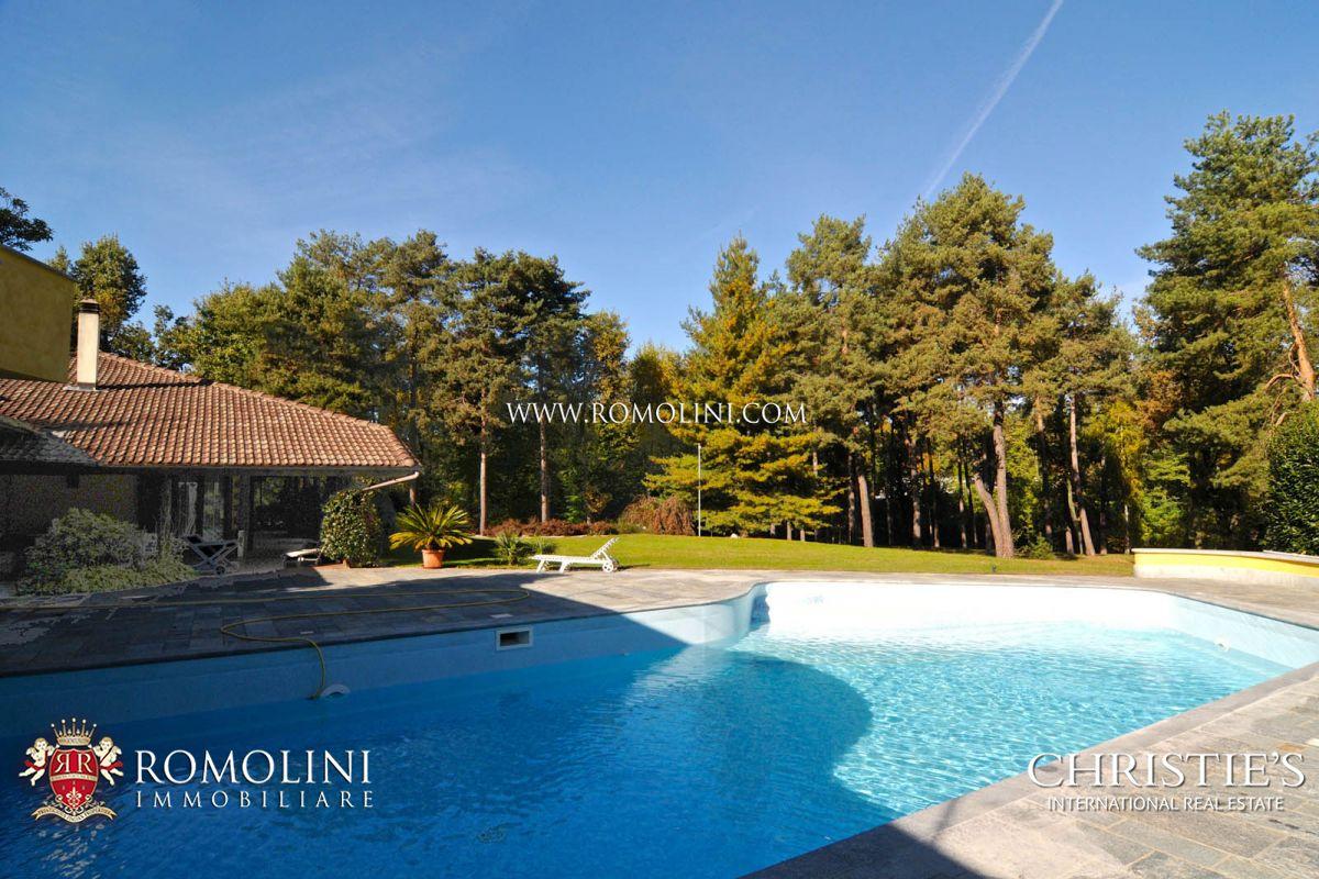 Ville di lusso piscina vendita piemonte lago maggiore for Piscina di lusso