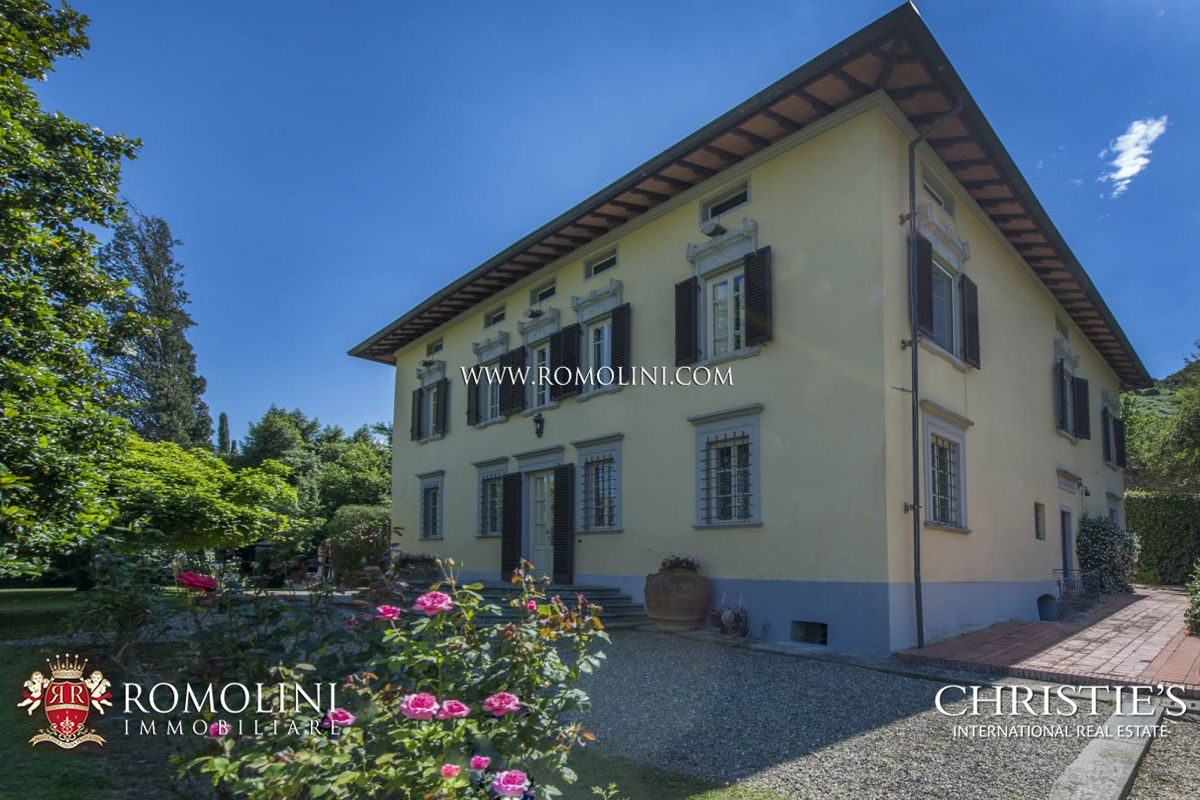 Additional photo for property listing at Tuscany - HISTORIC VILLA FOR SALE IN CAPANNORI, LUCCA Capannori, Italia