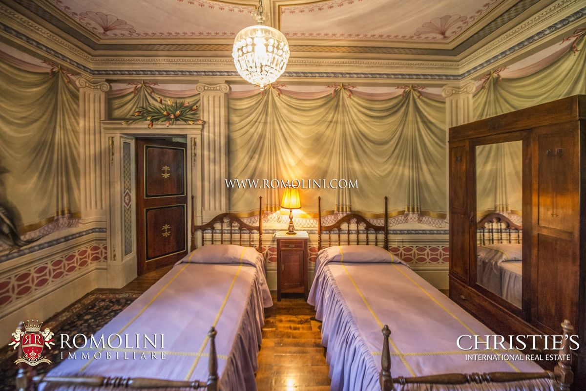 Additional photo for property listing at Tuscany - HISTORIC VILLA FOR SALE IN CAPANNORI, LUCCA Capannori, Italya