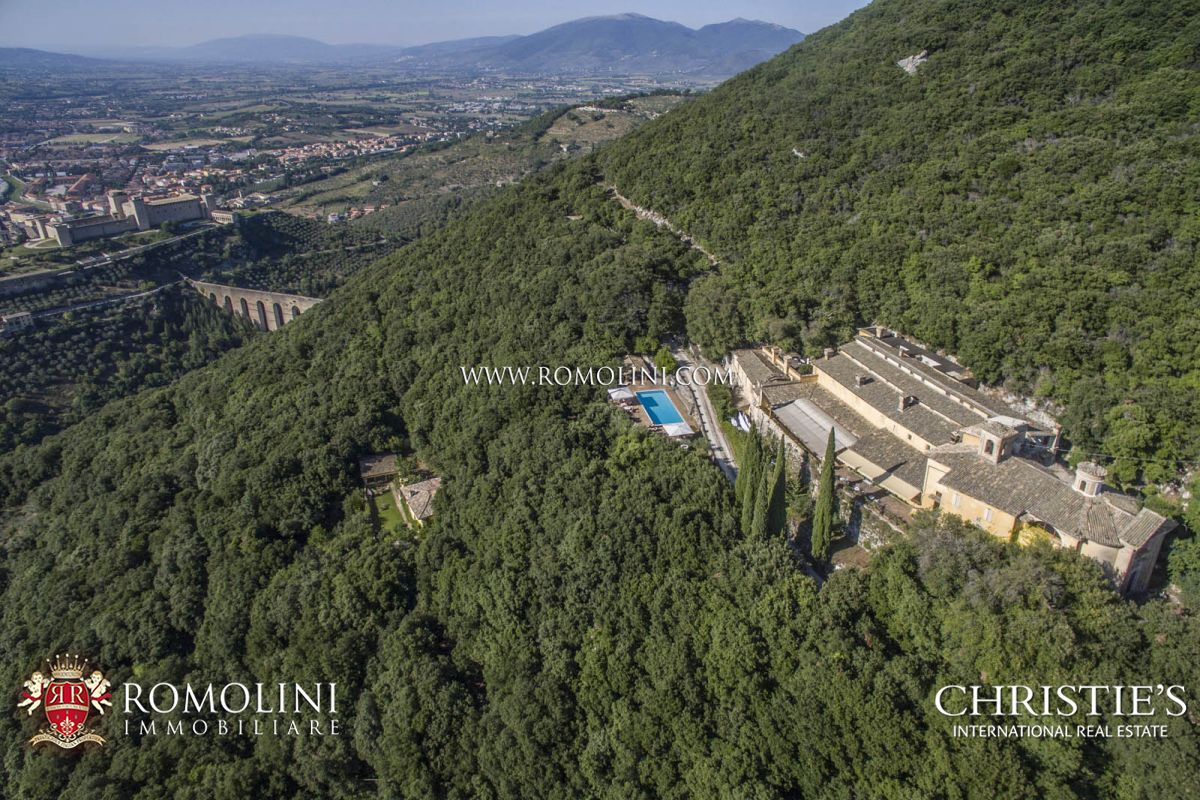 別墅 / 联排别墅 為 出售 在 Umbria - MONASTERY FOR SALE IN UMBRIA, SPOLETO Spoleto, 義大利