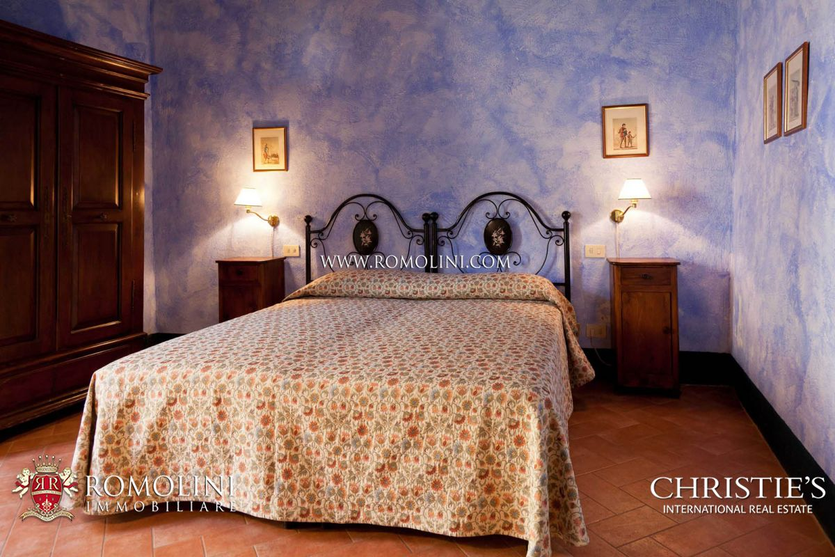 Additional photo for property listing at Tuscany - CHIANTI CLASSICO DOCG: WINE ESTATE WITH AGRITURISMO FOR SALE Castellina In Chianti, Italien