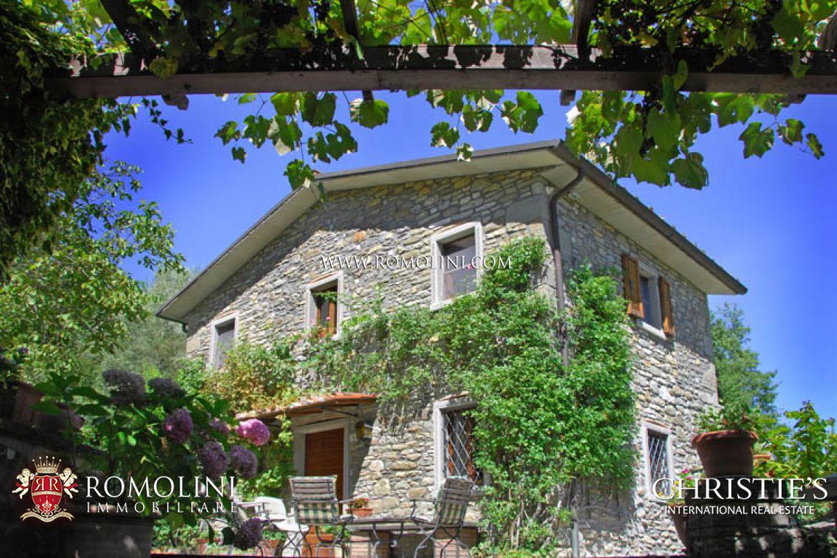 Casali ristrutturati giardino caprese michelangelo for Casali ristrutturati interni