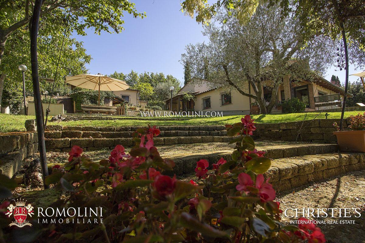 Villas / Stadthäuser für Verkauf beim Tuscany - FARMHOUSE WITH POOL FOR SALE IN GROSSETO, TUSCANY Saturnia, Italien
