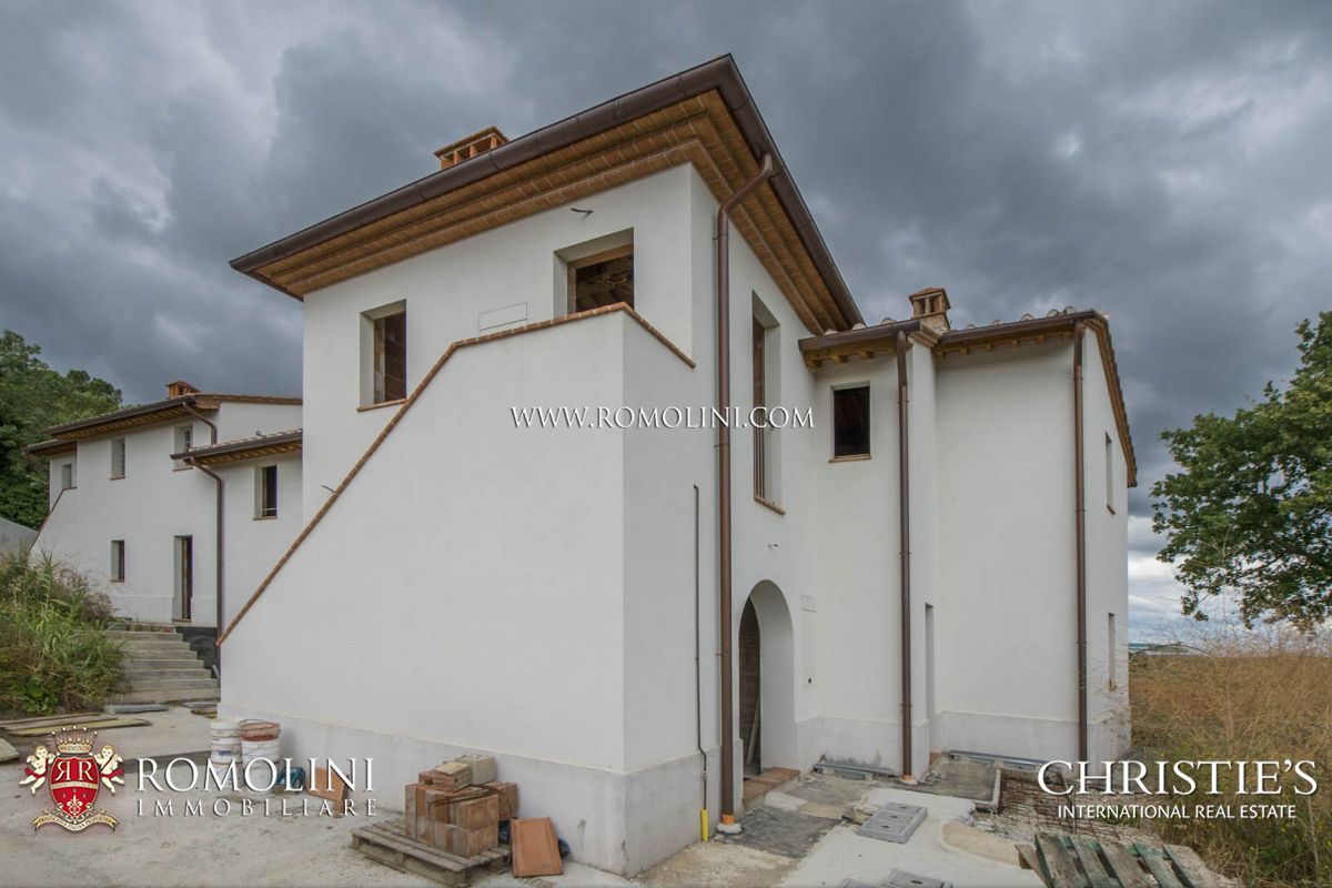 Additional photo for property listing at Tuscany - WINE ESTATE FOR SALE IN CHIANTI, COLLI FIORENTINI, IN TUSCANY Firenze, Itália