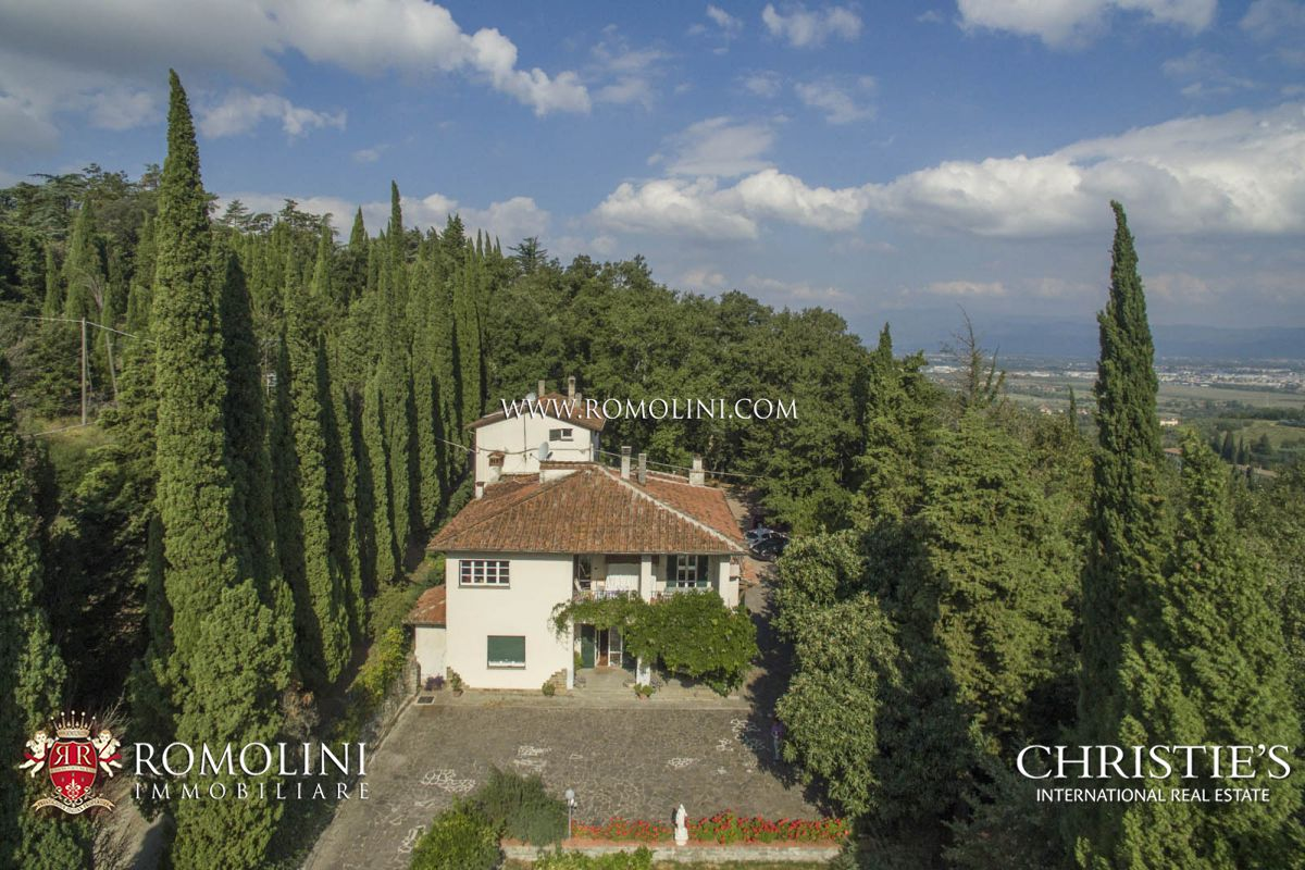 빌라 / 타운 하우스 용 매매 에 Tuscany - B&B WITH POOL FOR SALE IN AREZZO, TUSCANY Arezzo, 이탈리아