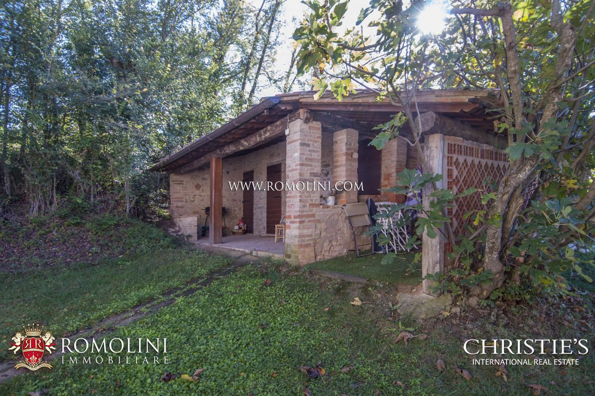 Additional photo for property listing at Umbria - FARMHOUSE WITH PANORAMIC VIEW FOR SALE IN MARSCIANO, UMBRIA Marsciano, Италия