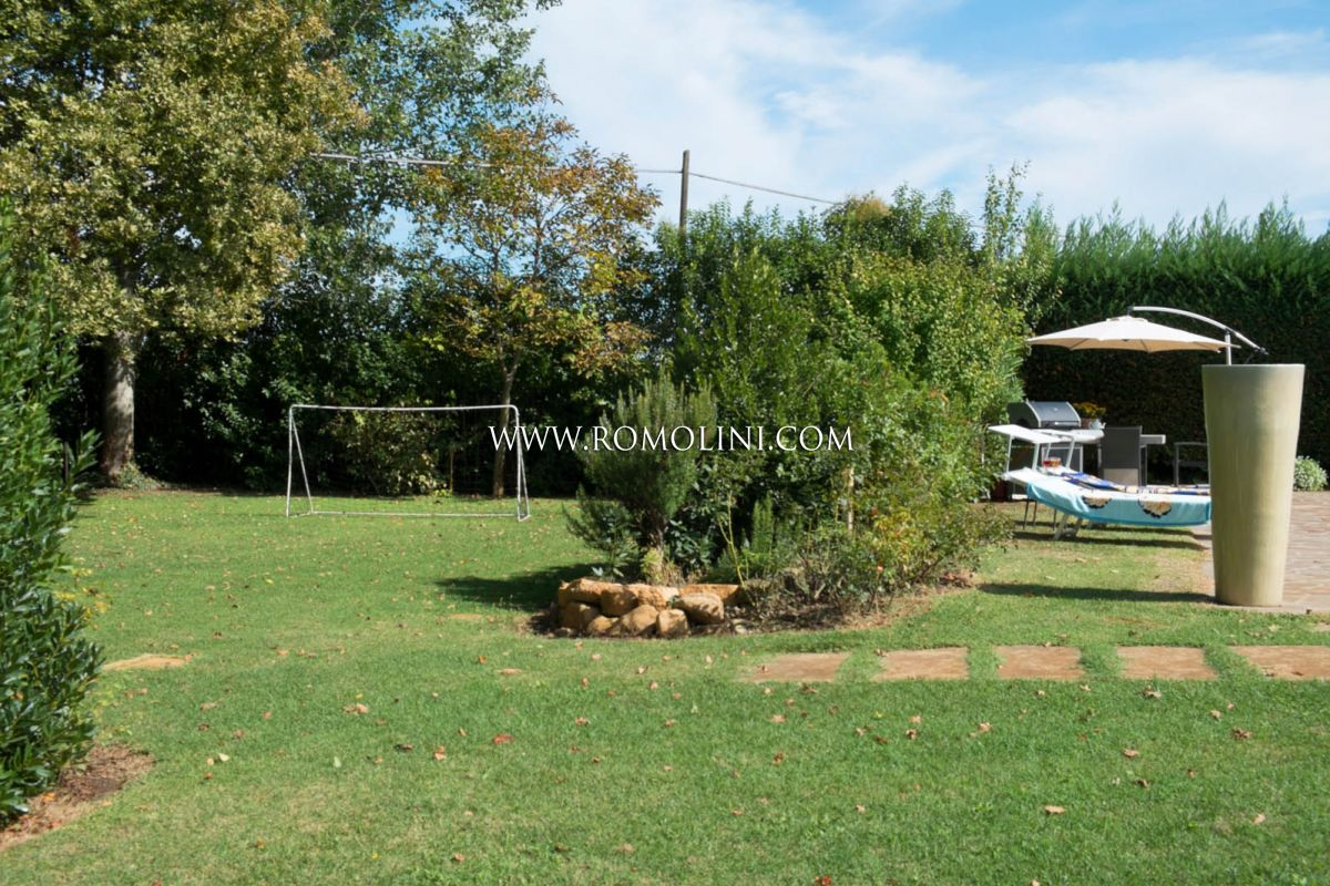 Additional photo for property listing at Emilia-Romagna - VILLA FOR SALE IN RAVENNA, EMILIA ROMAGNA Ravenna, Itália