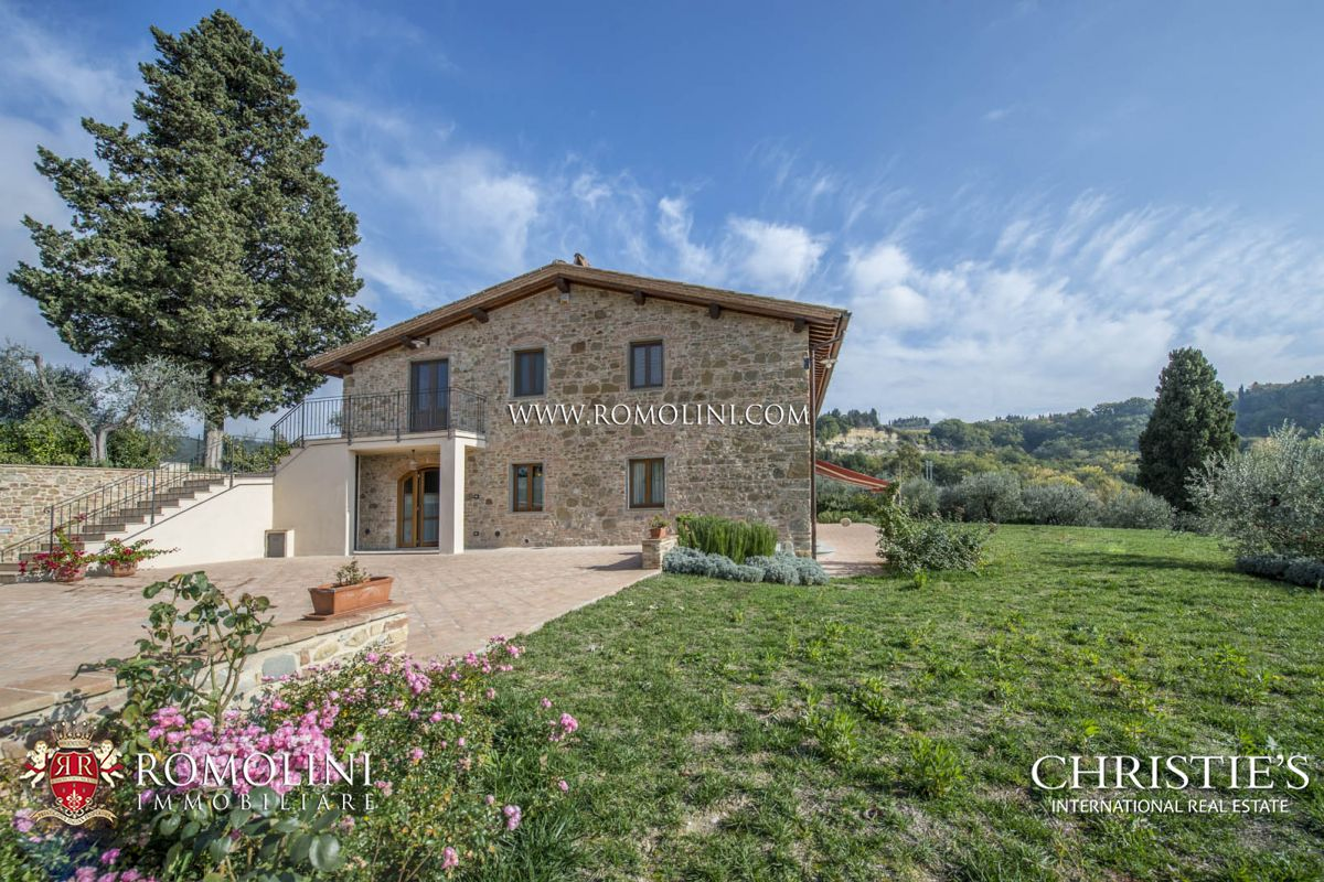 Tuscany farmhouse for sale in tuscany in certaldo a for Luxury farmhouses
