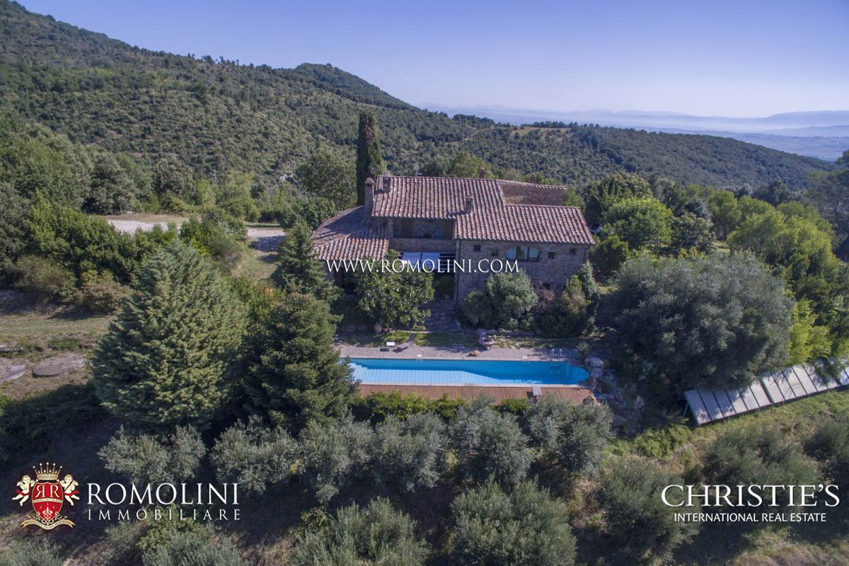 Additional photo for property listing at Umbria - HAMLET WITH STUNNING VIEWS OVER THE HILLS FOR SALE IN MARSCIANO, UMBRIA Marsciano, 義大利