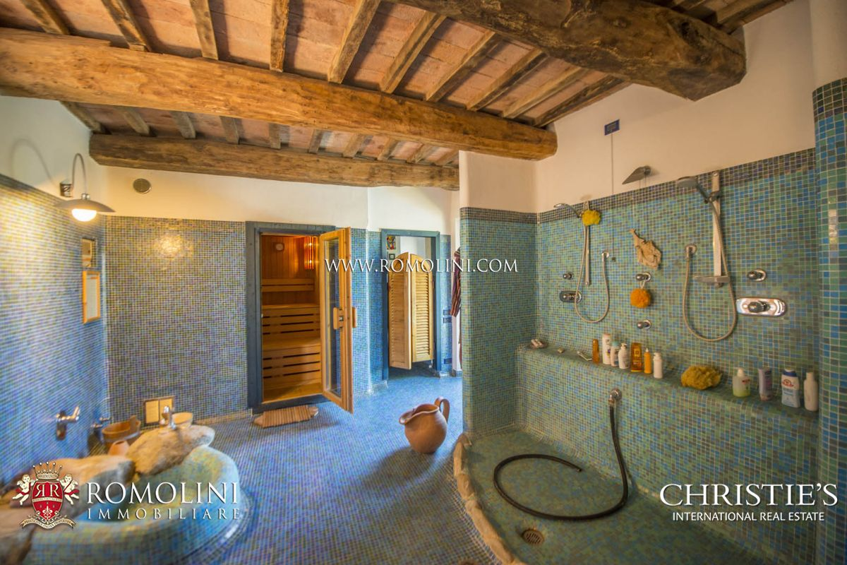 Additional photo for property listing at Umbria - HAMLET WITH STUNNING VIEWS OVER THE HILLS FOR SALE IN MARSCIANO, UMBRIA Marsciano, Ý