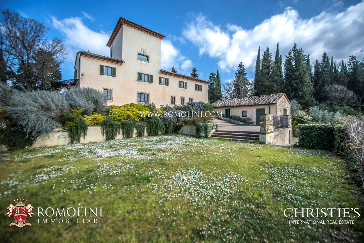 Additional photo for property listing at Tuscany - LUXURY VILLA WITH VINEYARDS IN CHIANTI, FLORENCE, TUSCANY Firenze, イタリア