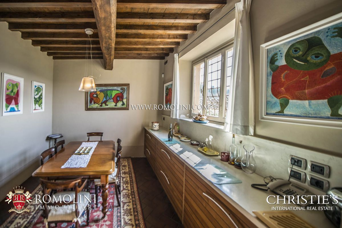 Additional photo for property listing at Tuscany - LUXURY VILLA WITH VINEYARDS IN CHIANTI, FLORENCE, TUSCANY Firenze, Italy