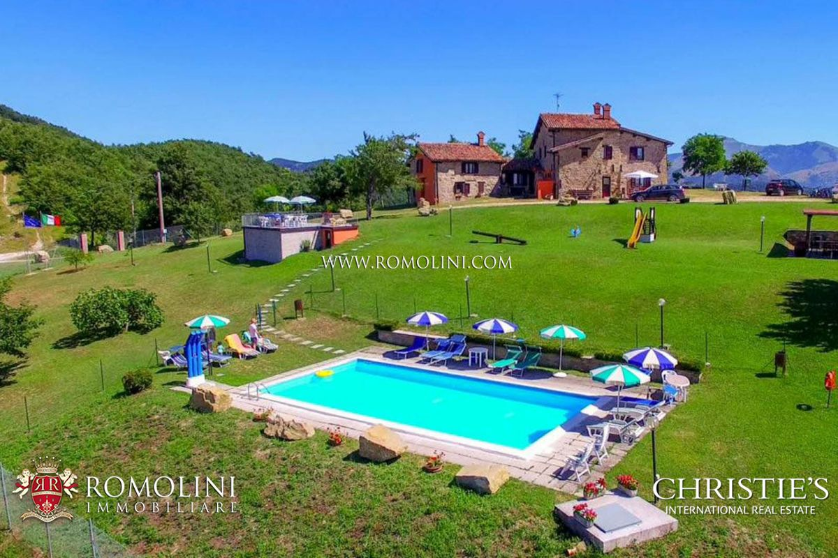 庄园,地产 为 销售 在 Umbria - AGRITURISMO FOR SALE IN GUBBIO, UMBRIA 古比奥, 意大利