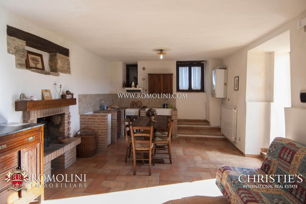 Additional photo for property listing at Umbria - AGRITURISMO FOR SALE IN GUBBIO, UMBRIA Gubbio, Ý
