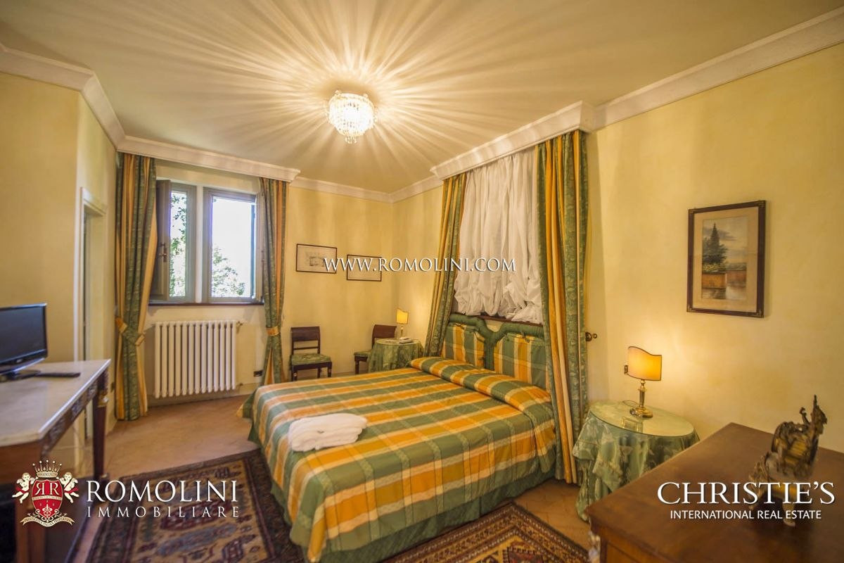Additional photo for property listing at Umbria - PRESTIGIOUS VILLA FOR SALE IN SPOLETO, UMBRIAN HILLS Spoleto, Italie