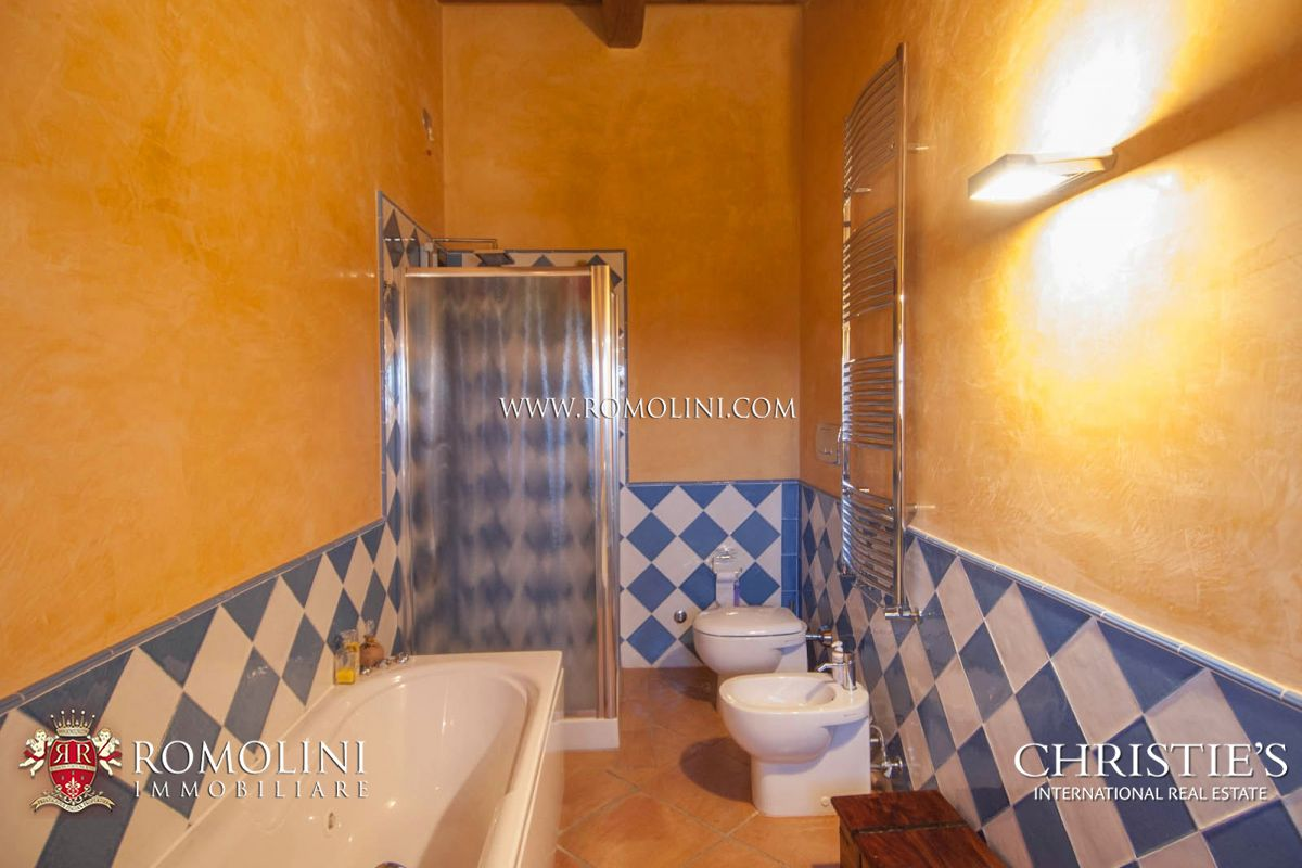 Additional photo for property listing at Umbria - LUXURY VILLA FOR SALE IN ITALY PERUGIA Corciano, Italia