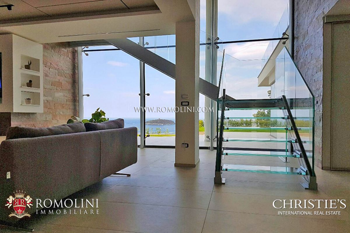 Additional photo for property listing at Calabria - NEWLY BUILT VILLA WITH SEA VIEW FOR SALE IN DIAMANTE, CALABRIA Diamante, Italië
