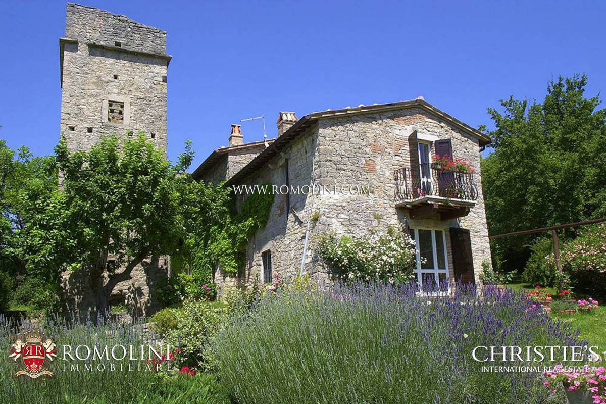 Additional photo for property listing at Umbria - 6 BEDROOM FARMHOUSE WITH TOWER FOR SALE BETWEEN TODI AND ORVIETO Baschi, 義大利