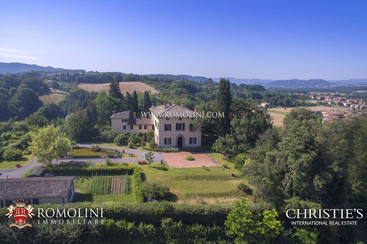 빌라 / 타운 하우스 용 매매 에 Umbria - LUXURY VILLA WITH ORIGINAL ROMAN MOSAIC FOR SALE IN UMBRIA Perugia, 이탈리아