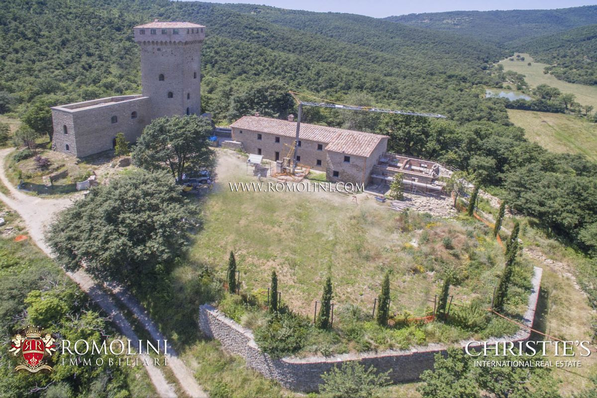 Tek Ailelik Ev için Satış at Umbria - CASTLE FOR SALE IN UMBRIA, TRASIMENO LAKE Passignano Sul Trasimeno, Italya