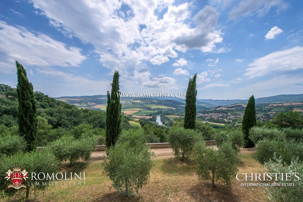 Additional photo for property listing at Umbria - OLD CONVENT, MONASTERY, COUNTRY HOTEL FOR SALE IN ITALY Todi, Italia