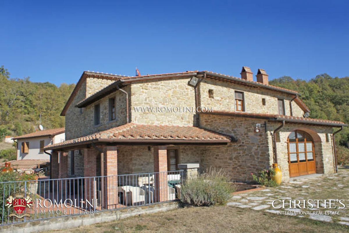 Ville / Villette per Vendita alle ore Tuscany - VILLA WITH ANNEX AND POOL FOR SALE ANGHIARI Anghiari, Italia