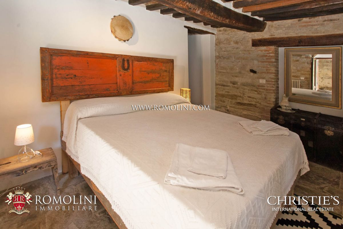 Additional photo for property listing at Umbria - SMALL SUSTAINABLE HAMLET FOR SALE IN UMBRIA, NEAR UMBERTIDE Umbertide, Italie