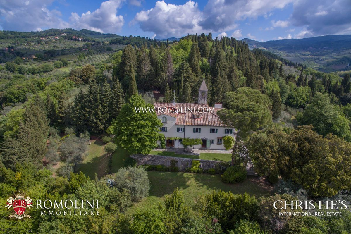 Additional photo for property listing at Tuscany - HISTORICAL VILLA WITH CHURCH FOR SALE ON THE HILL OF FIESOLE Fiesole, Italië