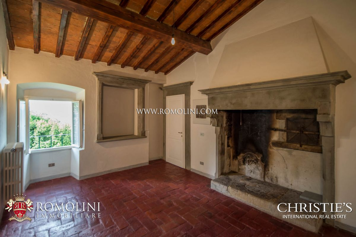 Additional photo for property listing at Tuscany - HISTORICAL VILLA WITH CHURCH FOR SALE ON THE HILL OF FIESOLE Fiesole, Ιταλια