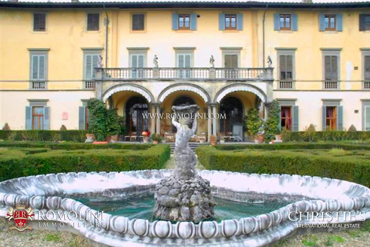 Appartements / Flats pour l Vente à Tuscany - PRESTIGIOUS APARTMENT INSIDE HISTORICAL VILLA FOR SALE IN FLORENCE Firenze, Italie