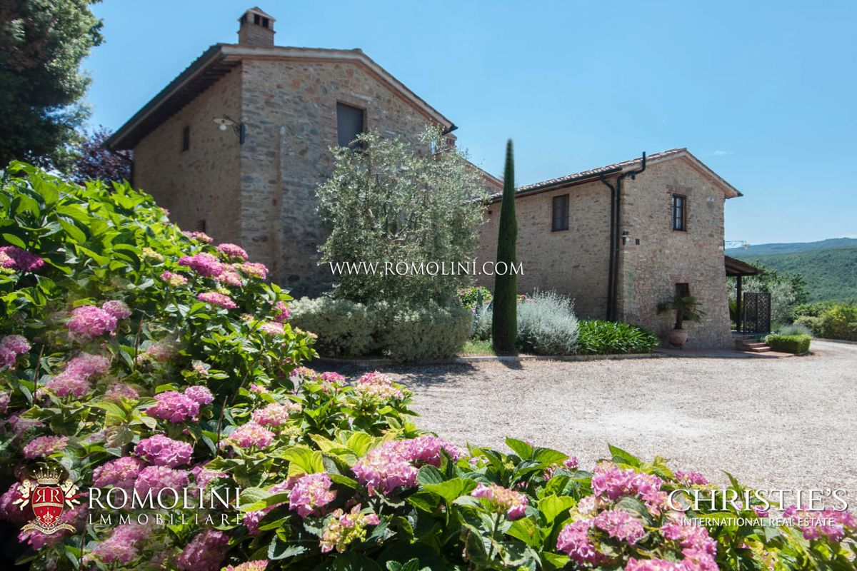 Виноградник для того Продажа на Tuscany - AGRITURISMO WITH PANORAMIC VIEW FOR SALE CASOLE D'ELSA, TUSCANY Casole D Elsa, Италия