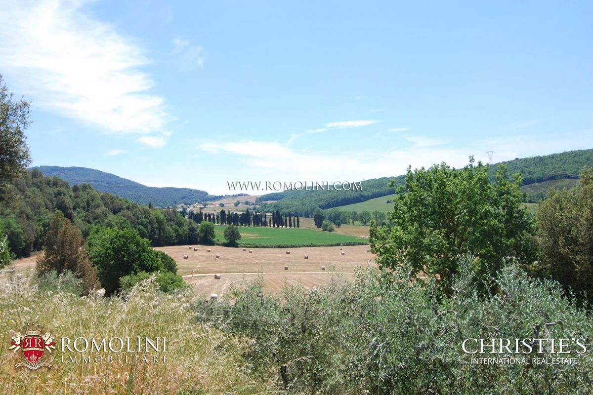 Additional photo for property listing at Tuscany - AGRITURISMO WITH PANORAMIC VIEW FOR SALE CASOLE D'ELSA, TUSCANY Casole D Elsa, Италия