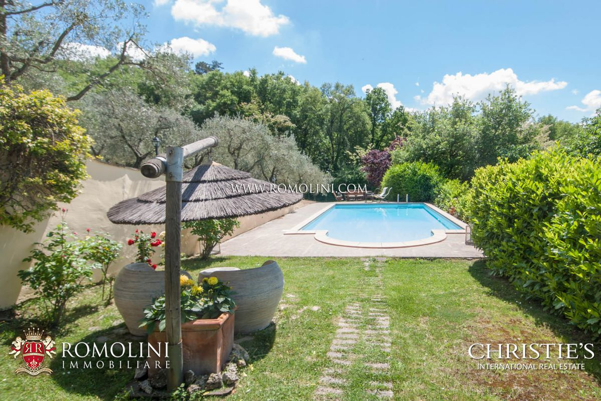 Additional photo for property listing at Tuscany - VILLA WITH PANORAMIC VIEW FOR SALE, AREZZO Arezzo, イタリア