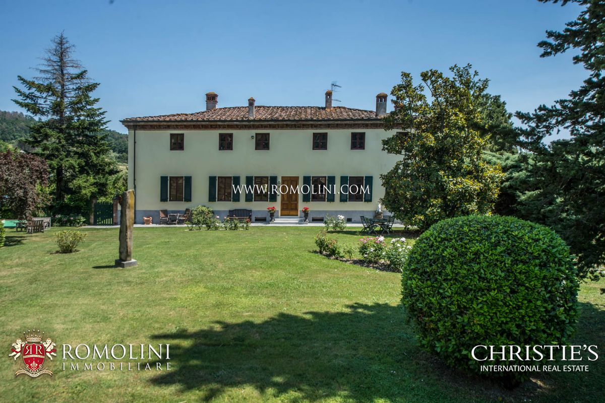 Villas / Townhouses for Sale at Tuscany - HISTORICAL VILLA WITH POOL FOR SALE LUCCA, TUSCANY Lucca, Italy