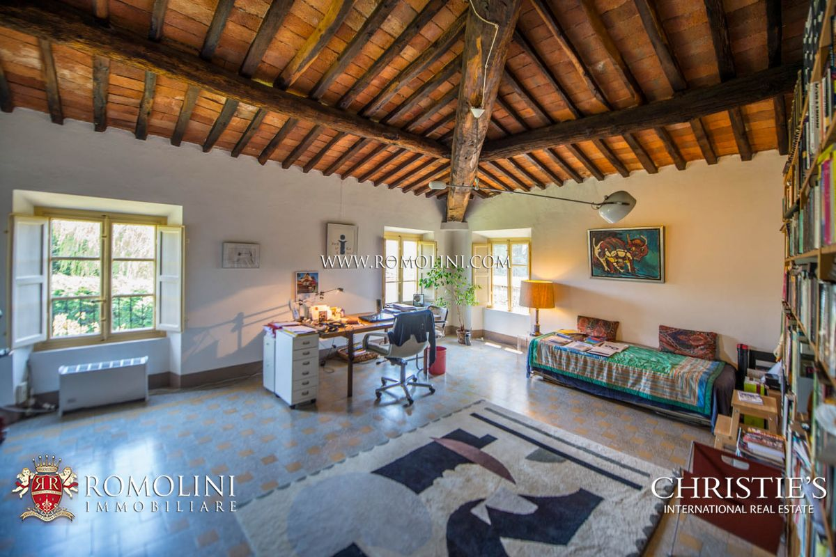 Additional photo for property listing at Tuscany - HISTORICAL VILLA WITH POOL FOR SALE LUCCA, TUSCANY Lucca, Италия