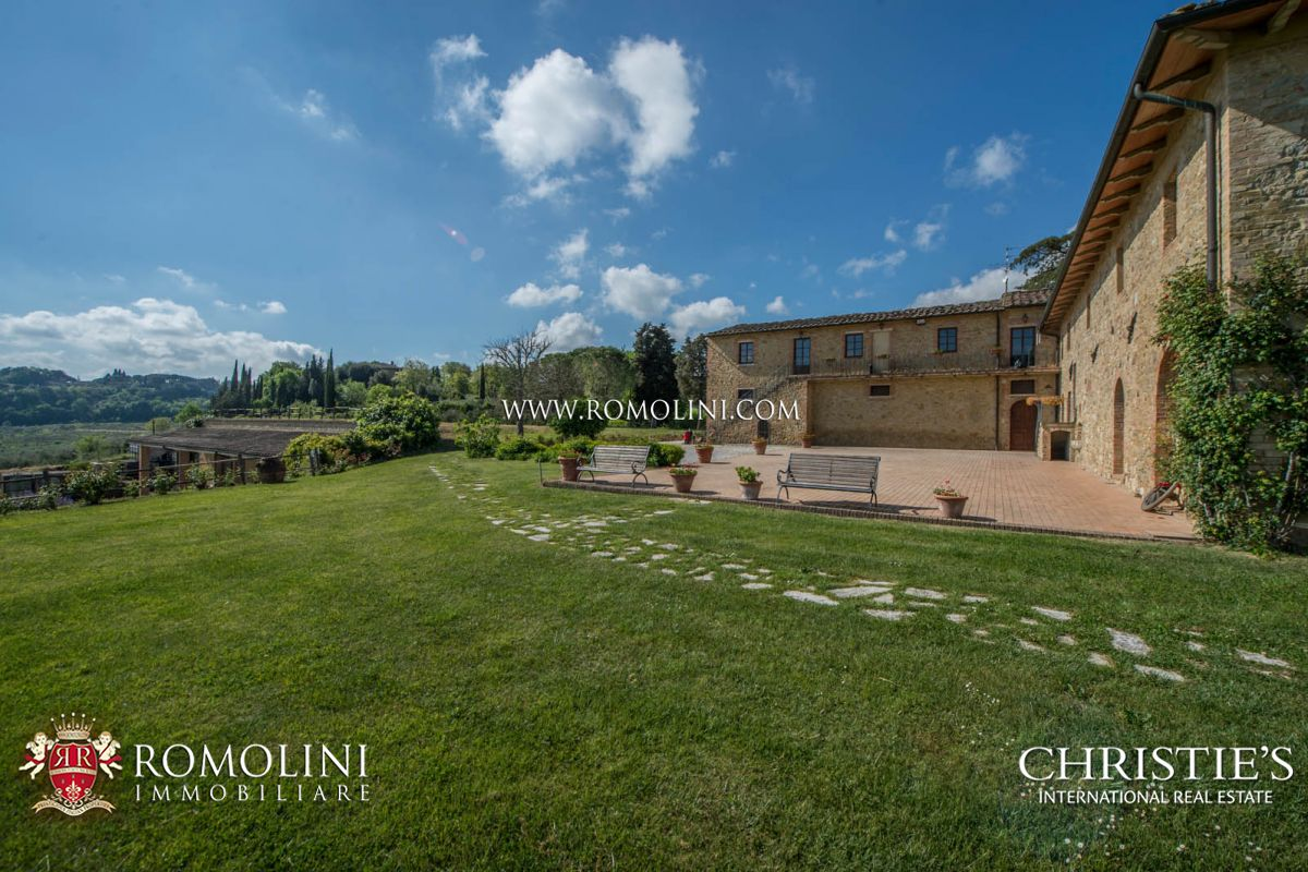 Additional photo for property listing at Tuscany - SAN GIMIGNANO: 240 HA ESTATE WITH AGRITURISMO AND WINERY San Gimignano, Ý