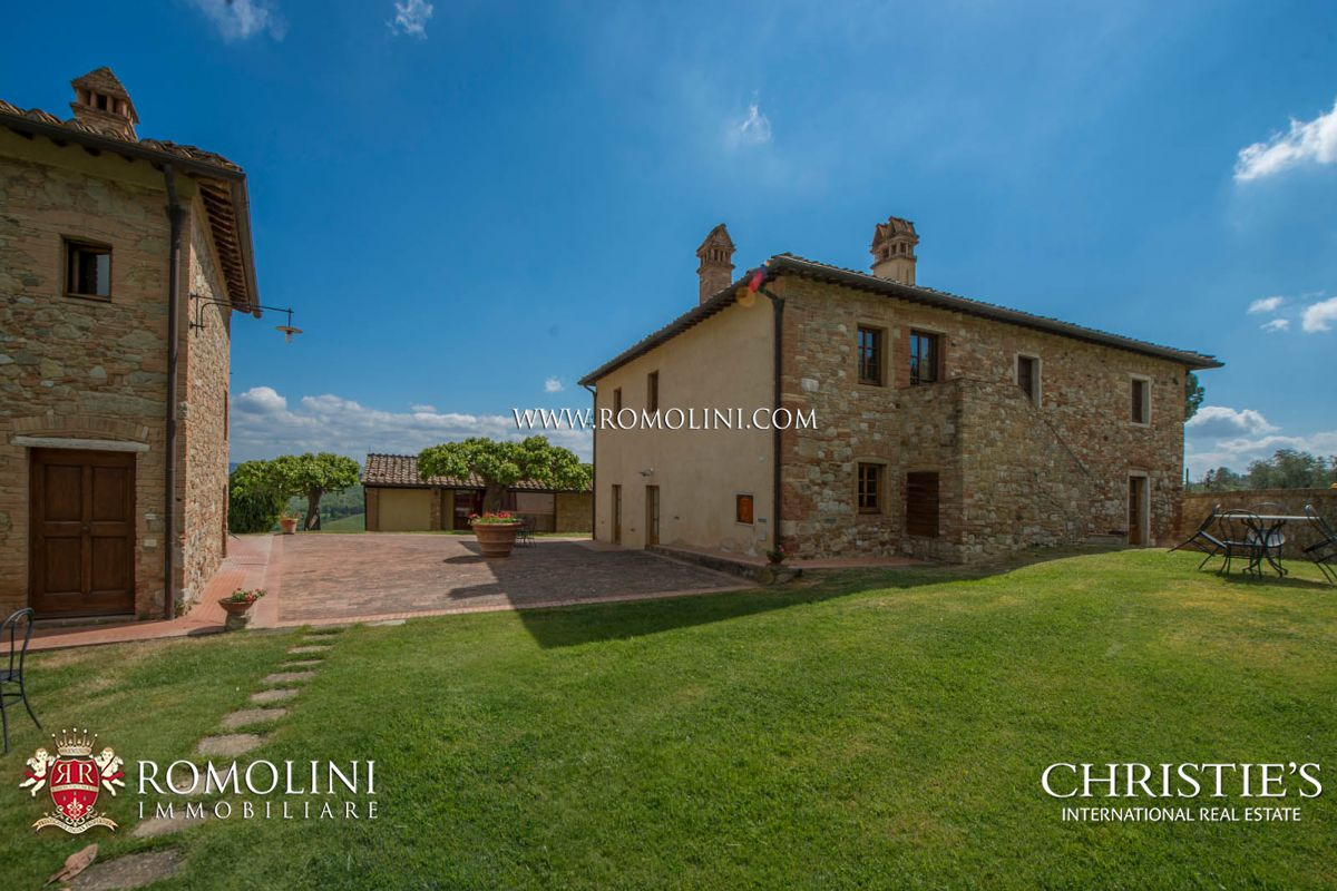 Additional photo for property listing at Tuscany - SAN GIMIGNANO: 240 HA ESTATE WITH AGRITURISMO AND WINERY San Gimignano, Italya