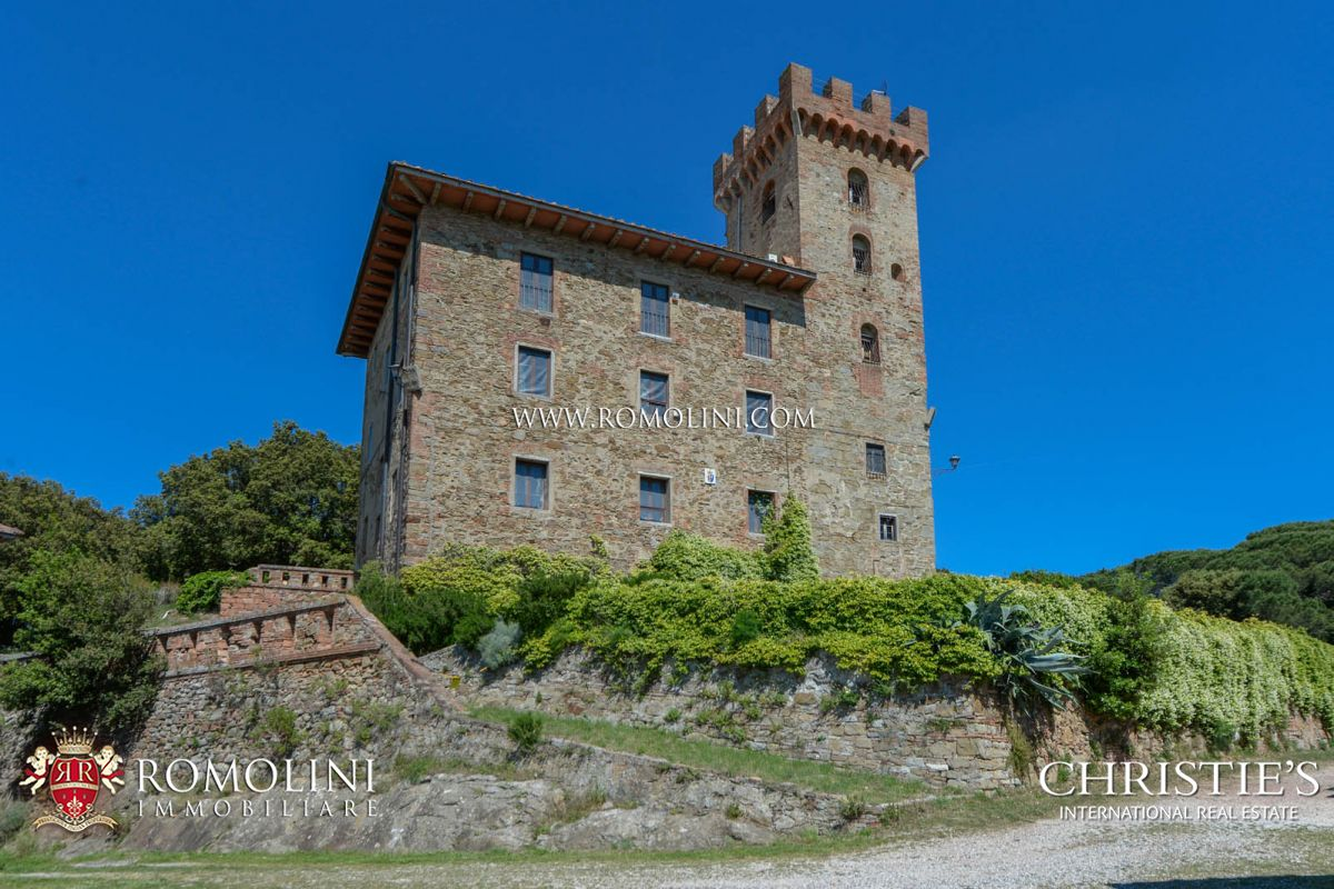 土地 のために 売買 アット Tuscany - TUSCANY: SEA VIEW ESTATE (400 HA) WITH CASTLE, HUNTING RESERVE AND LAKE FOR SALE Pisa, イタリア