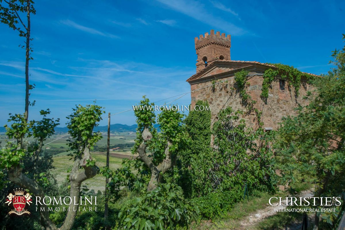 Additional photo for property listing at Tuscany - TUSCANY: SEA VIEW ESTATE (400 HA) WITH CASTLE, HUNTING RESERVE AND LAKE FOR SALE Pisa, 意大利