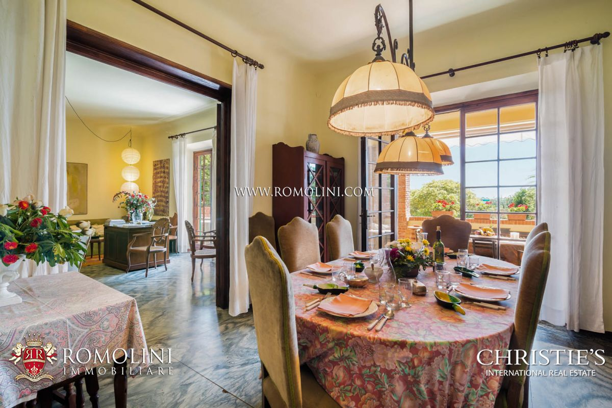 Additional photo for property listing at Tuscany - VILLA ON THE SEASIDE WITH DEPENDANCE FOR SALE FORTE DEI MARMI, TUSCANY Forte Dei Marmi, Italia