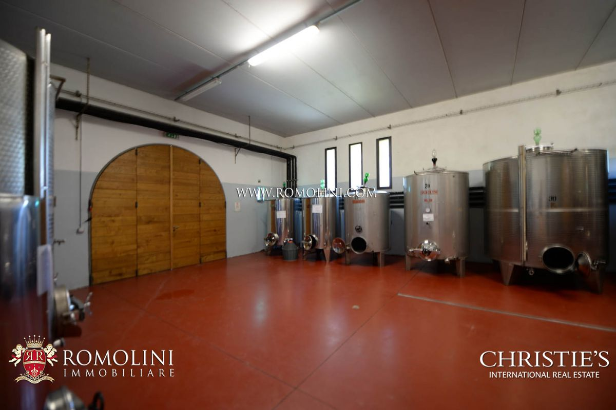Additional photo for property listing at Tuscany - BRUNELLO DI MONTALCINO: STATE-OF-THE-ART TUSCAN WINE CELLAR FOR SALE Montalcino, Italy