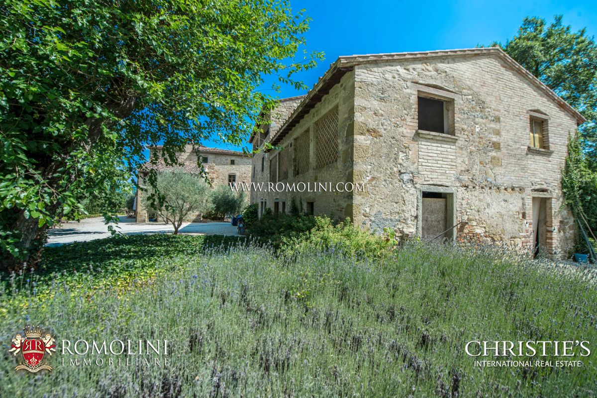 Additional photo for property listing at Tuscany - CHARMING SMALL HAMLET FOR SALE IN ANGHIARI, TUSCANY Anghiari, Италия