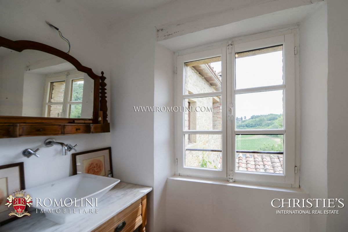 Additional photo for property listing at Tuscany - CHARMING SMALL HAMLET FOR SALE IN ANGHIARI, TUSCANY Anghiari, Italia