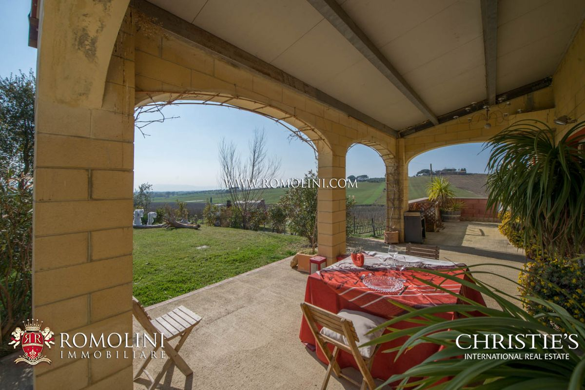 Additional photo for property listing at Tuscany - MORELLINO DI SCANSANO: 10,4 HA PRESTIGIOUS CELLAR FOR SALE Grosseto, Italia