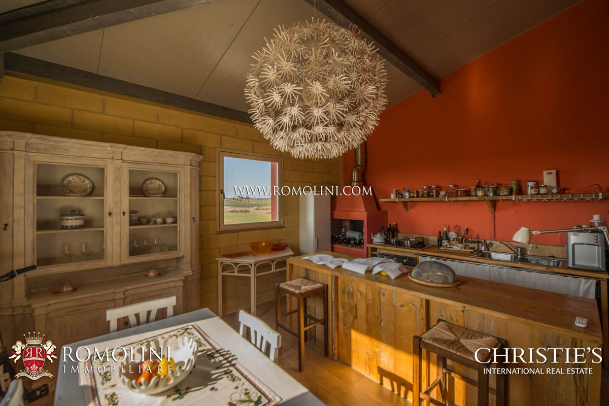Additional photo for property listing at Tuscany - MORELLINO DI SCANSANO: 10,4 HA PRESTIGIOUS CELLAR FOR SALE Grosseto, Italya